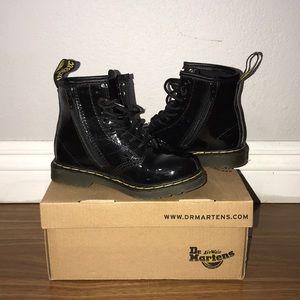 Kids  unisex size 9 DrMarten ankle boots blk